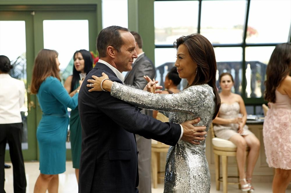 """Coulson and May Tango in """"Face My Enemy"""""""