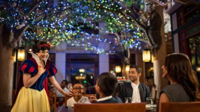 Snow White at Artist Point Disney's Wilderness Lodge