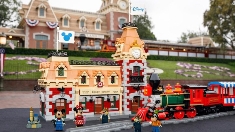 LEGO® Disney Train